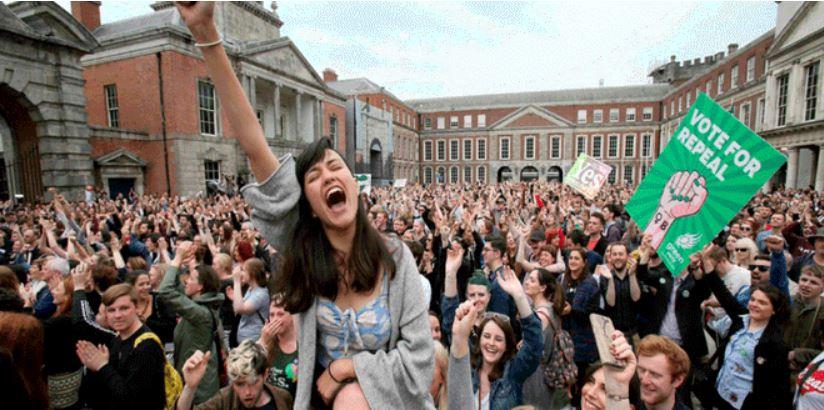 Parlamento de Irlanda aprueba legalización del aborto