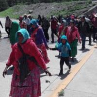 Marchan rarámuris para exigir programas de apoyo