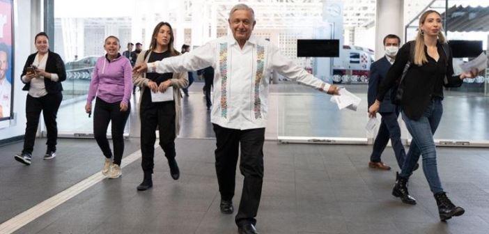 ¿Qué mensaje doy si me encierro?, cuestiona López Obrador