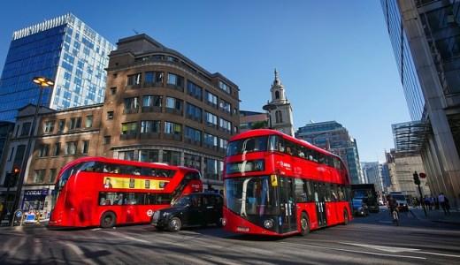バスの中でできるカップルにオススメの暇つぶし方法8選!