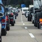 高速道路で渋滞に巻き込まれた時にオススメな暇つぶし方法7選!