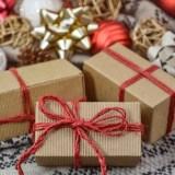 付き合う前の女性に渡して喜ばれるプレゼント9選!重いと思われない!