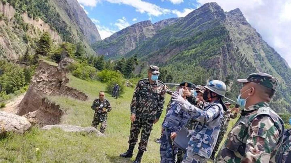 'ढुक्क भएर सीमा रक्षा गर्नुस्, केही परे सेनाले साथ दिनेछ'