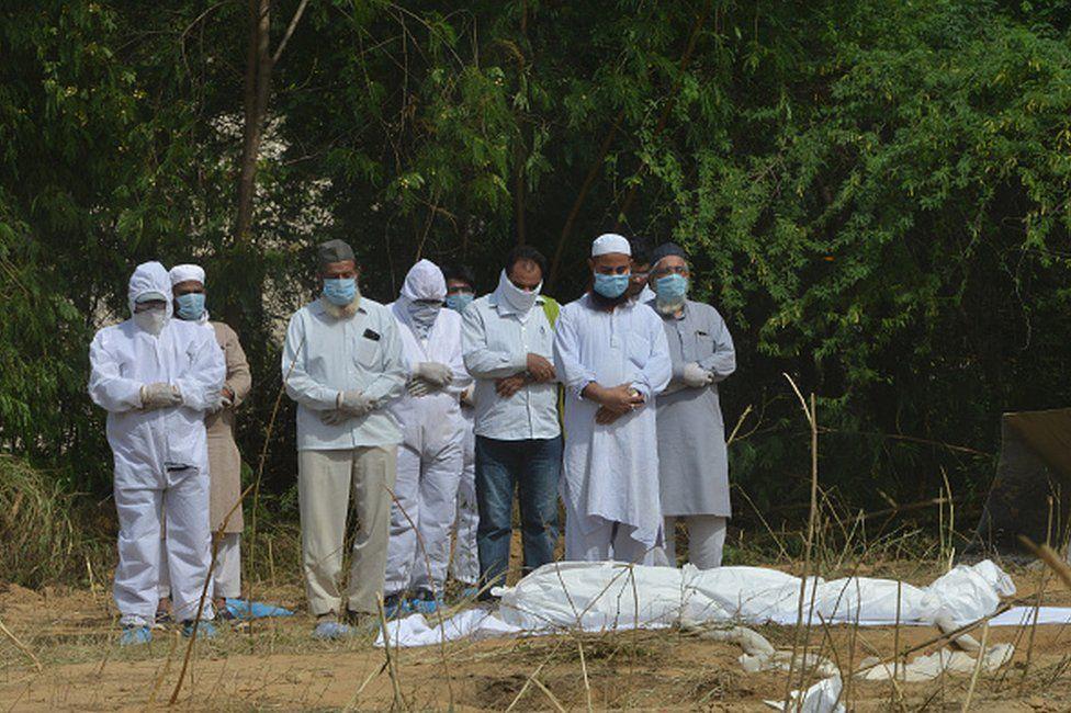 भारतमा कोरोनाबाट ५० हजार बढीको मृत्यु