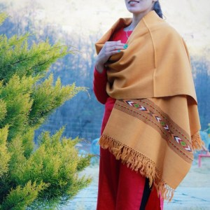 Yellow Wool Shawl Hand Woven Thread Weaving Himachal Handloom
