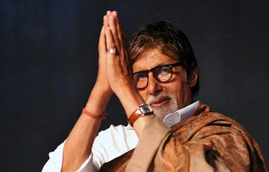 Amitabh taking 500 workers home from plane