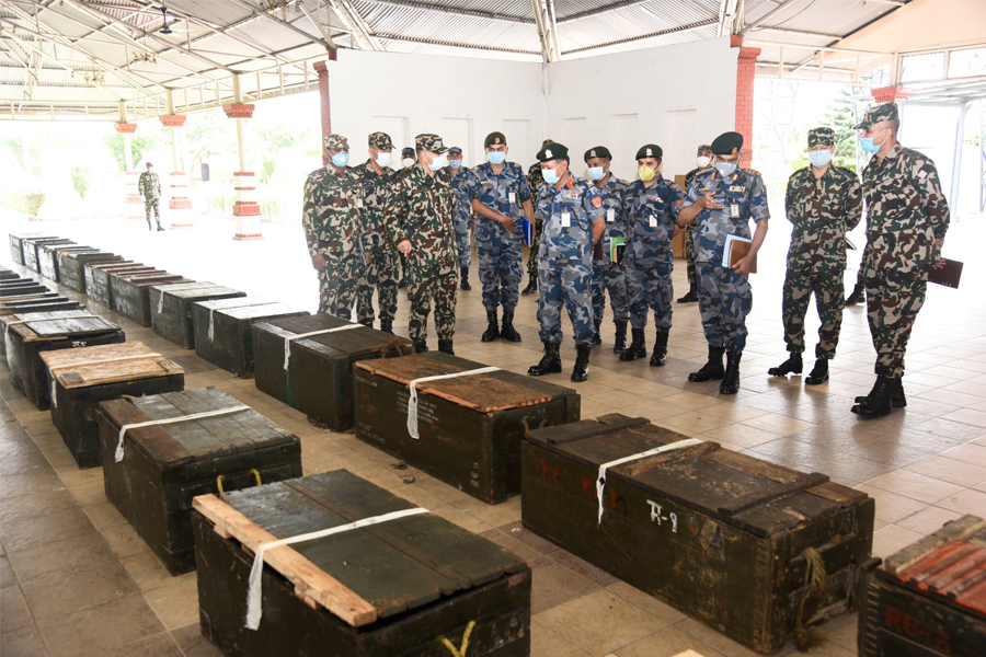Nepal Army handed over 600 rifles to armed police force