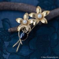Wells-K14金-オニキス&真珠の野の花ブーケ・ブローチ
