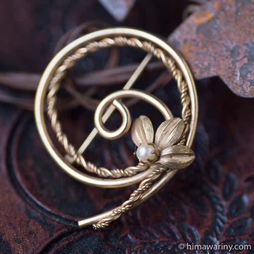 12Kゴールドフィルド一粒真珠フラワー蔓サークルブローチ