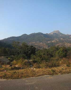 Shri-Naina-Devi-Temple-Himachal-Hill-View