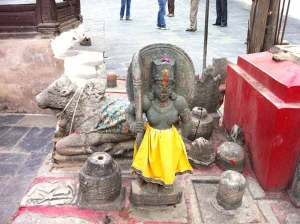 Stone_statue_of_Shiv_Shakti