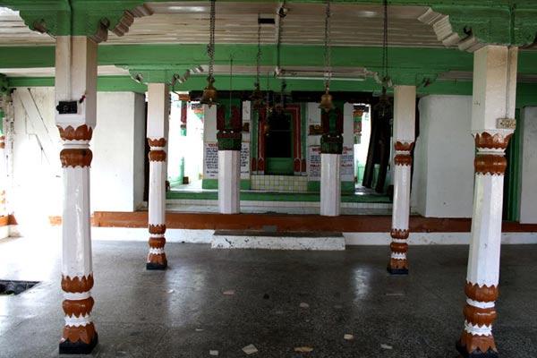 khajjinag-temple