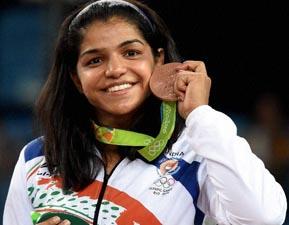 आखिर कैसे बस कंडक्टर की बेटी ने दिलाई भारत को पहला ऑलिंपिक मेडल ? Sakshi Malik की पूरी कहानी