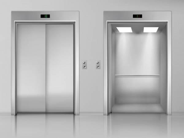लिफ्ट या एलिवेटर छूने से बचें