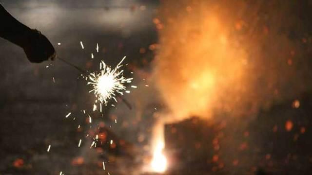 पटाखे बैन के आदेश में हस्तक्षेप से SC का इनकार, कहा 'जिंदगी बचाना अधिक महत्वपूर्ण'