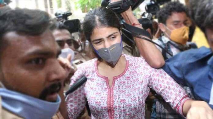 सुशांत सिंह राजपूत ड्रग्स केस में NCB आज दाखिल करेगी चार्जशीट, आरोपियों में Rhea Chakraborty समेत 33 लोगों के नाम