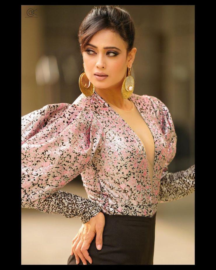 Shweta Tiwari new pose