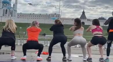Russia: Mosque के सामने Female Runners ने किए Squats, वीडियो सामने आते ही मचा बवाल, कार्रवाई की मांग