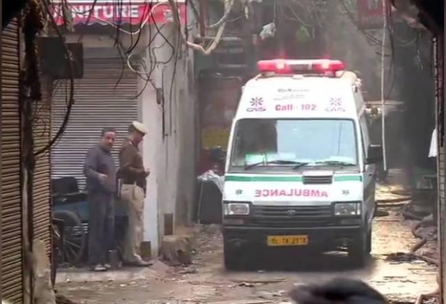 Delhi Anaj Mandi Fire: सीएम अरविन्द केजरीवाल ने किया मृतकों और घायलों के लिए मुआवजे का ऐलान