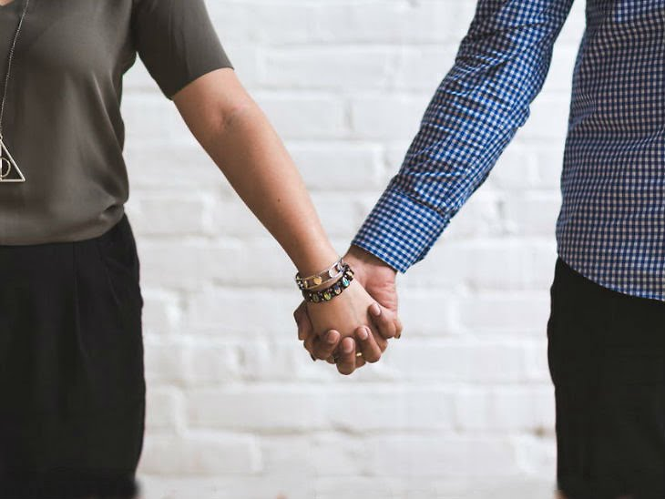 शादी का रिश्ता सत्ता का नहीं साझेदारी का बने