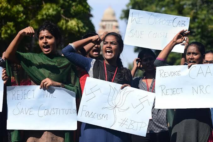 नागरिकता संशोधन क़ानून : विरोधों के इन स्वरों ने लोकतंत्र में नयी जान फूंक दी है...