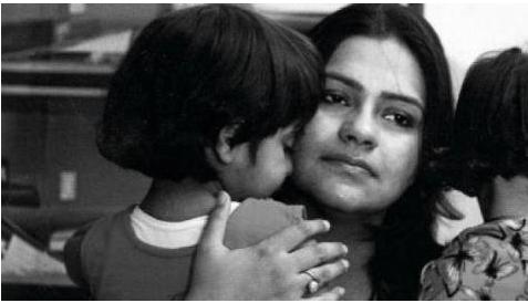 डॉ मीतू खुराना : देश की पहली महिला जिसने 'बेटी' को जन्म देने के लिए लड़ी क़ानूनी लड़ाई