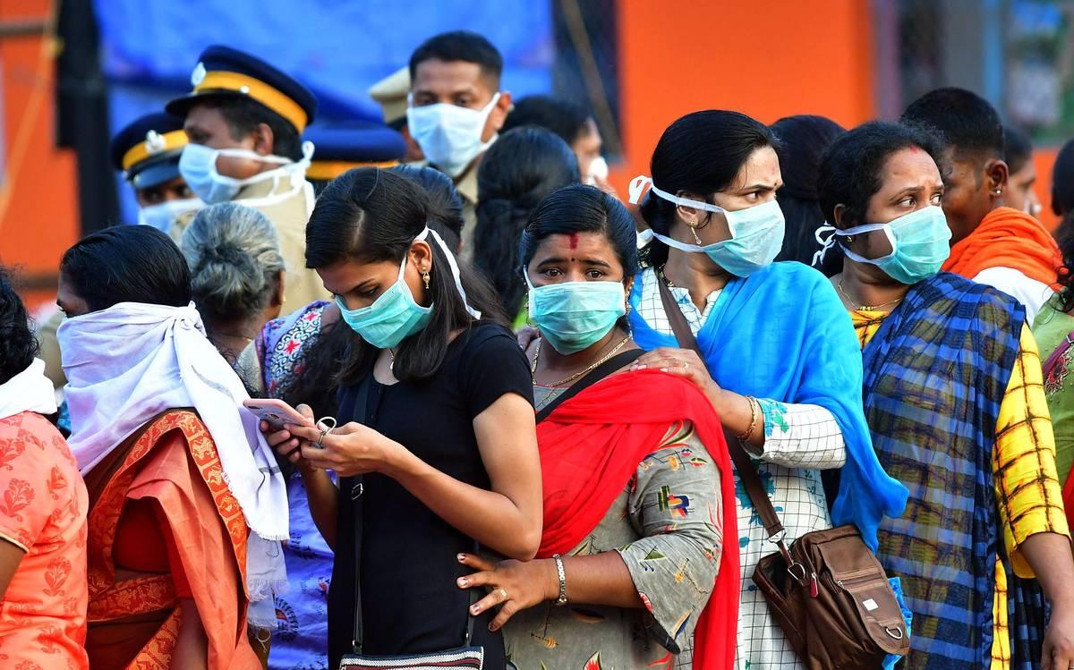 कोरोना महामारी के दौरान महिला स्वास्थ्य के मुद्दे पर चुप्पी क्यों