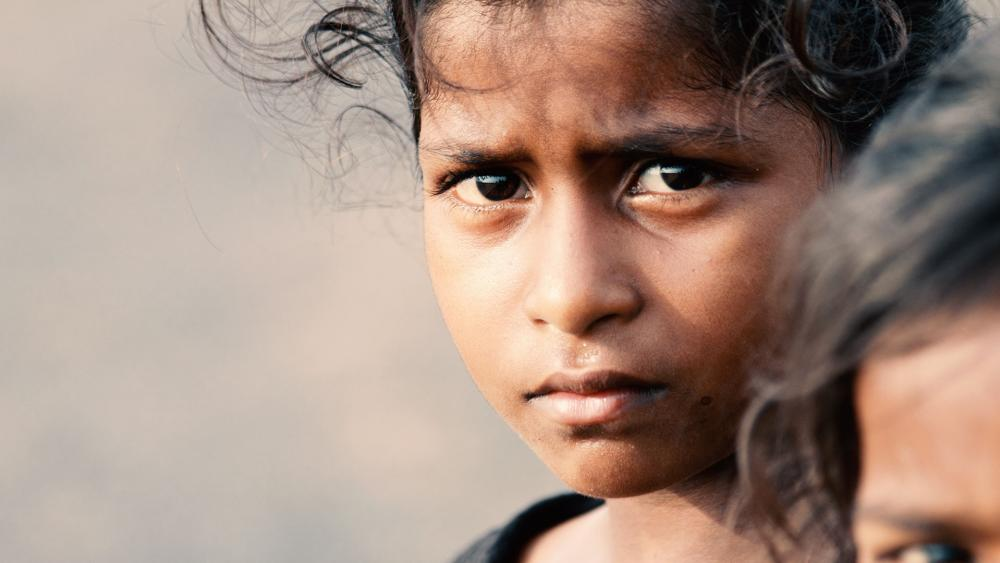 लड़कियों के अवसर कतरने की संस्कृति में महिला सशक्तिकरण| नारीवादी चश्मा