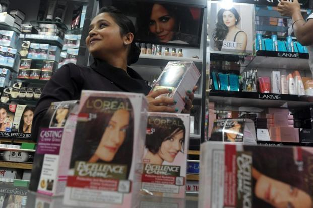 'सेल्फ़ केयर' और महिला सशक्तिकरण के नाम पर प्रॉडक्ट्स बेचने वाले बाज़ार का प्रोपगैंडा