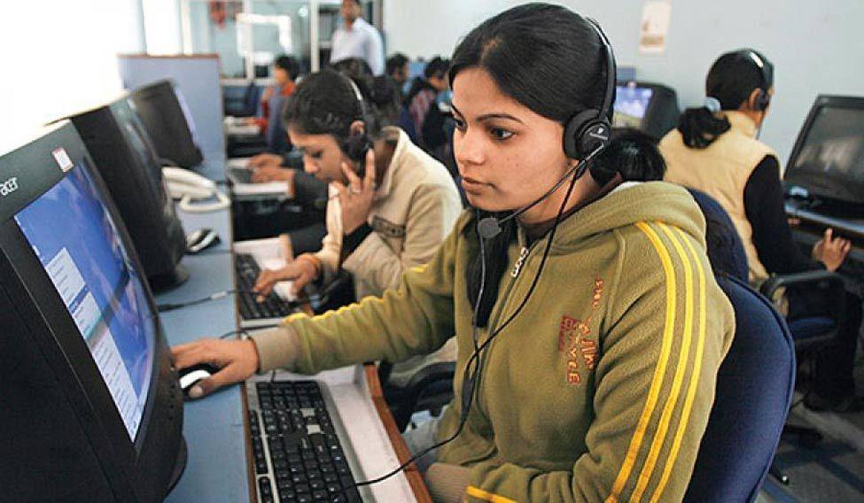 महिलाओं के साथ कार्यस्थल पर होने वाले लैंगिक भेदभाव में सबसे ऊपर भारत: लिंक्डइन रिपोर्ट