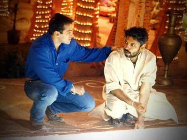 Salman did not even raise his hand