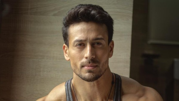 Tiger Shroff expressed his gratitude by giving a flying salute for the love received by 'Vande Mataram'!