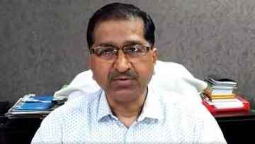 sitapur lekhpal suspend and village head arrested for negligence in quarantine center