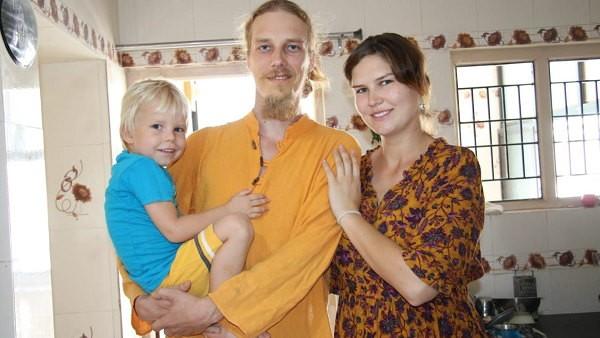6 साल का बेटा साथ आया था, 6 माह की प्रेग्नेंट भी है गालीना