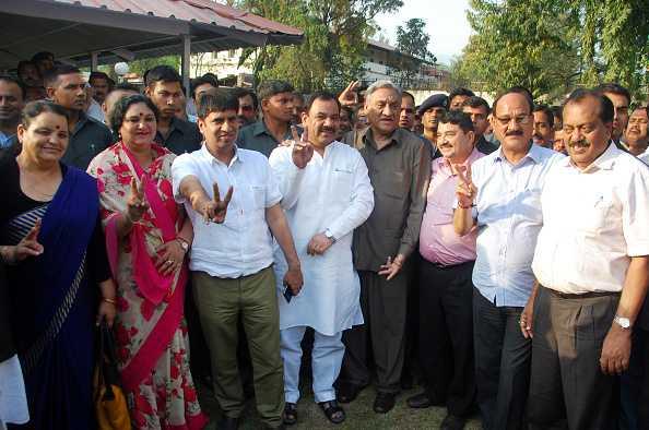 कांग्रेस के 9 बागी विधायक होंगे बीजेपी में शामिल