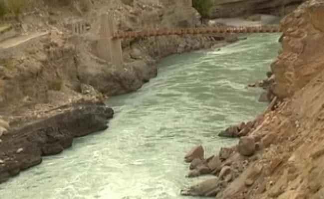 सुप्रीम कोर्ट में सिंधु नदी समझौते को लेकर दी  चुनौती
