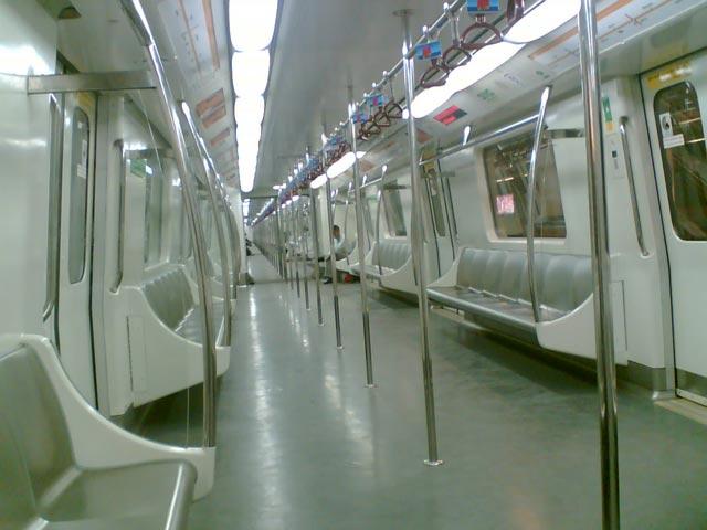 सार्वजनिक परिवहन या निजी परिवहन- क्या है ज़्यादा बेहतर?