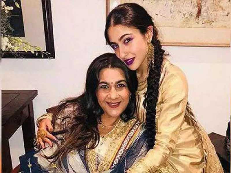 These Bollywood beauties are close to their mother