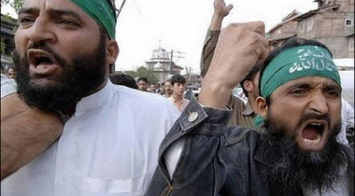 आदिल डार के पिता का फ़ख्र घाटी के बहुसंख्य मुसलमान साझा करते हैं