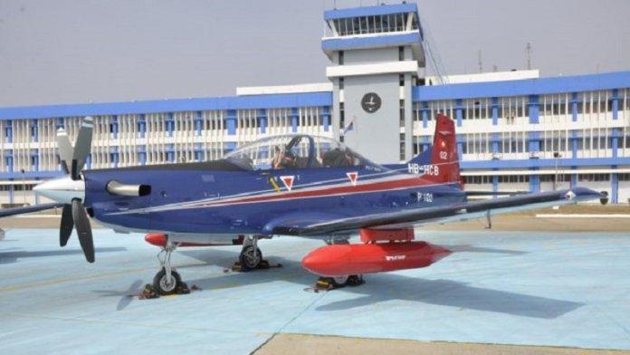 वायुसेना का प्रशिक्षण जेट पायलटस PC-7 (साभार: लाइव फिस्ट)
