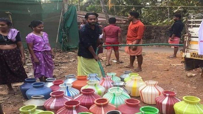हिंदुओं को पानी देने से इनकार