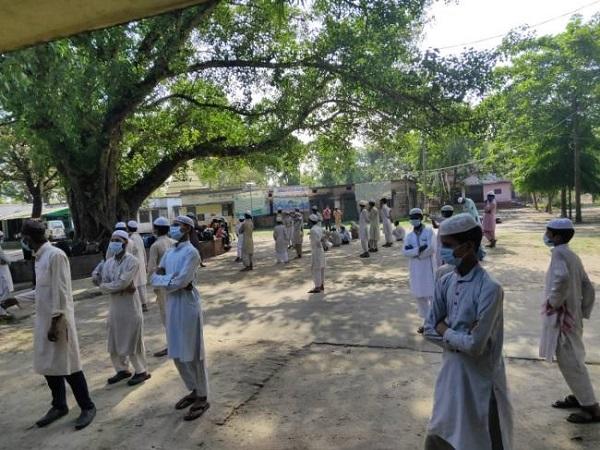 महाराष्ट्र मदरसे, बिहार प्रवासी, कोरोना वायरस