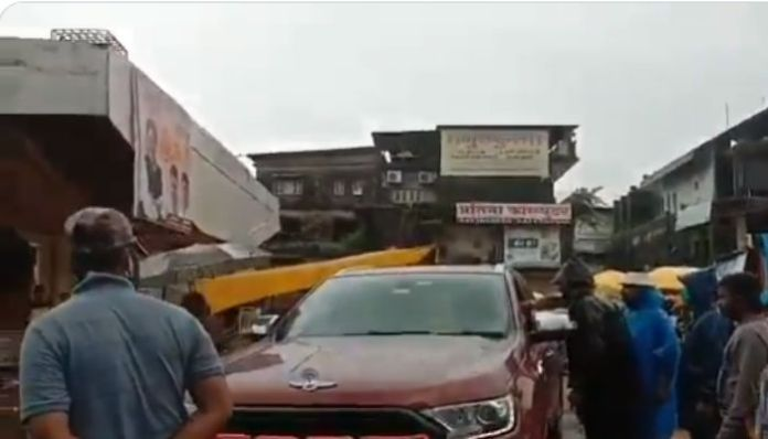शिवसेना सांसद ट्रैफिक पुलिस