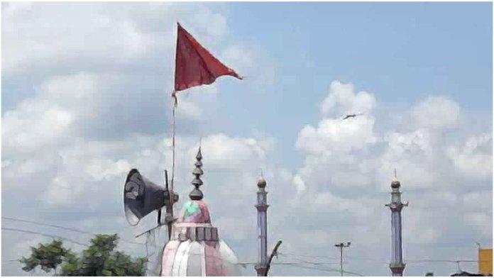 मंदिर लाउडस्पीकर मार पीट