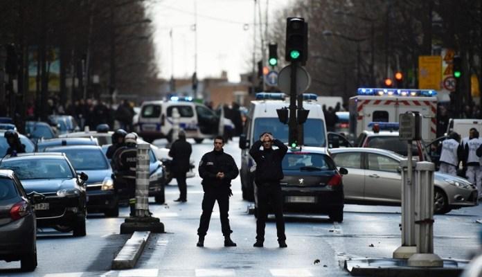 फ्रांस में पुलिसकर्मी पर धारदार हथियार से हमला