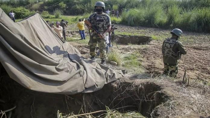 आतंकियों, पाकिस्तान, सुरंगों, BSF