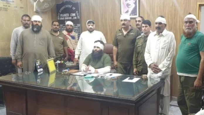 टीएलपी, पाकिस्तान, पुलिसकर्मी