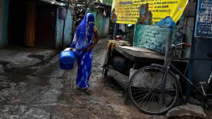 गंदे पानी, युवक, पत्नी, दिल्ली