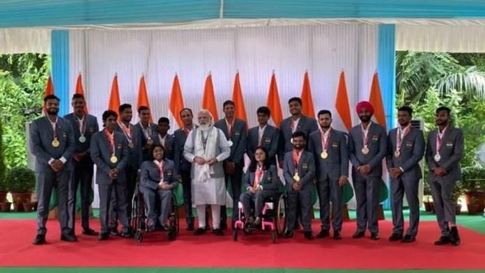 पीएम नरेंद्र मोदी ने भारतीय पैरालंपिक खिलाड़ियों की मेजबानी की