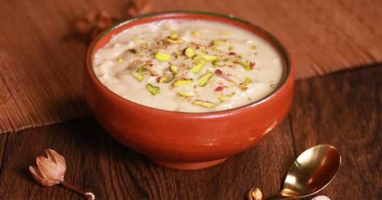 Rabri Recipe in Hindi:लच्छेदार शाही रबड़ी बनाना है बेहद आसान, देखें रैसेपी।